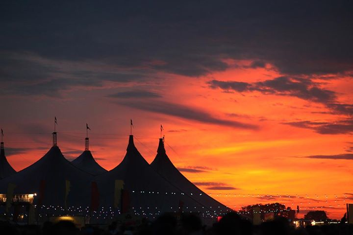 READING FESTIVAL NEWS: That sunset. ^_^