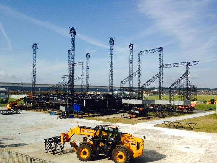 The Main Stage is coming along nicely :-)…