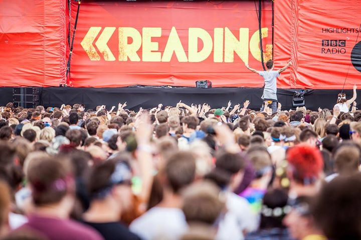 Thoughts of  #ReadingFestival are getting us through Monday.