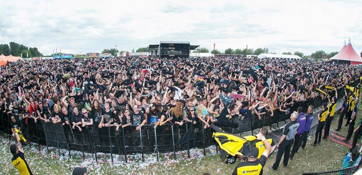 Bloodstock news: Newport Helicopter in full effect during Skindred, including this intrepid Shows…