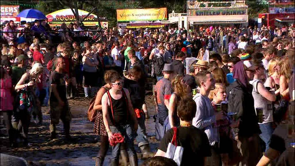 FESTIVAL HIGHLIGHTS: Deftones – Reading Festival 2011 Highlights [HQ]