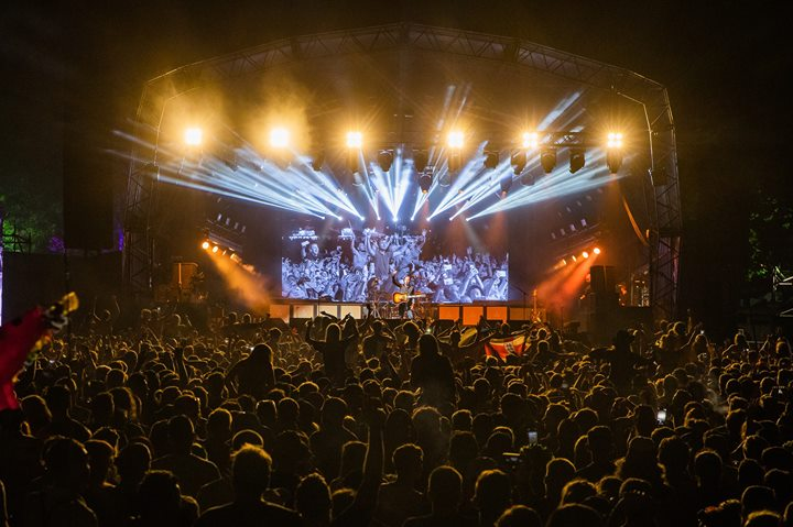 WOW! Now that's what you call a headline set from Catfish and the Bottlemen. Fro...