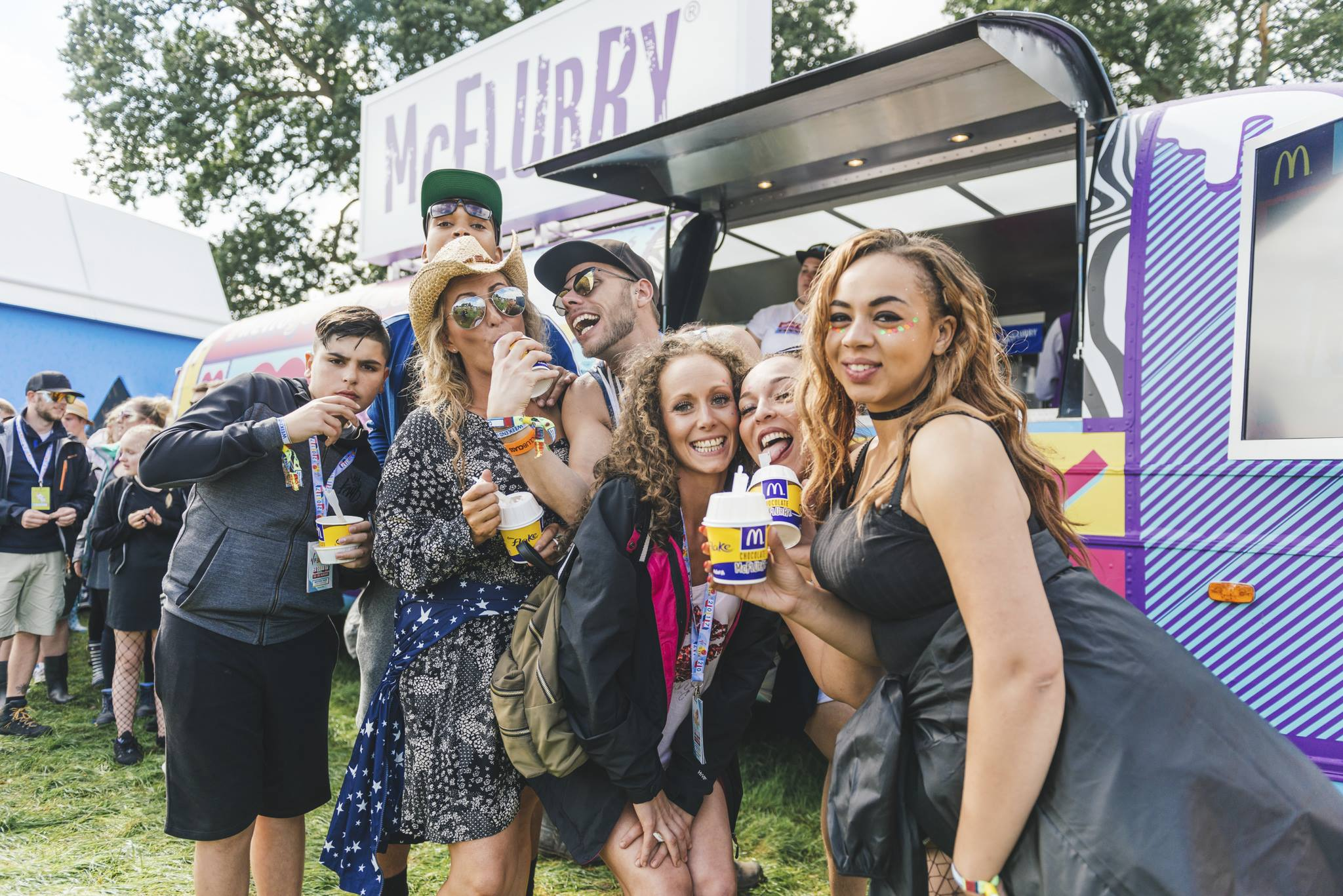 READING & LEEDS FESTIVAL NEWS: Make sure you check out the McDonald's McFlurry Van to have a go in their 180-de…