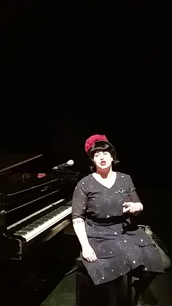 Davina from Davina and The Vagabonds has a little message for the people of Edin...