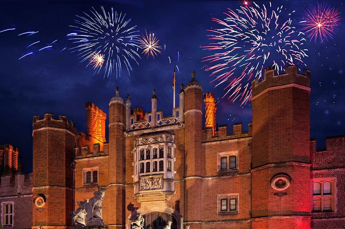 Happy #BonfireNight! Throwing it back to our magical Fanfare and Fireworks show ...