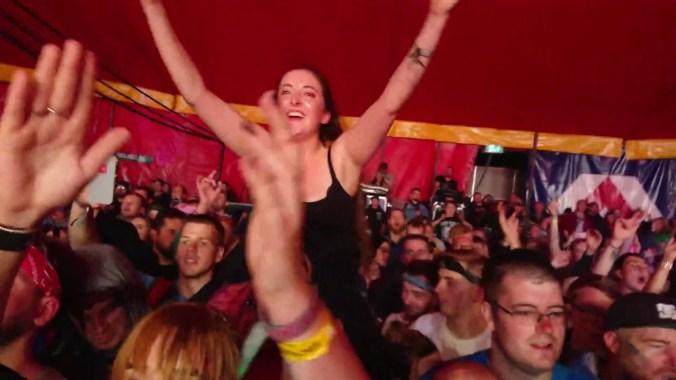 FESTIVAL HIGHLIGHTS: [MOSHVID] Papa Roach LIVE at Leeds Festival 2018 HIGHLIGHTS
