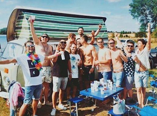 Back of Beyond Festival news : Camping friendship goals…