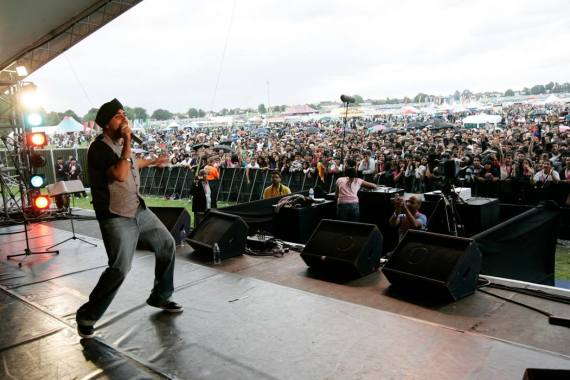 London Mela news: #ThrowbackThursday The legend Jassi Sidhu performing at #TheLondonMela back in 2…