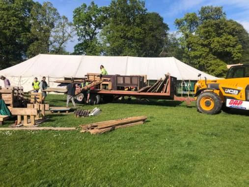 Eden Festival news : Anyone recognise this pub being built?