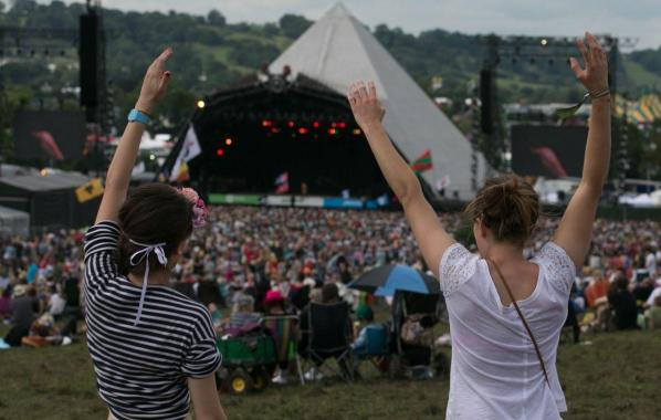 NME Festival blog: Couple who got engaged at Glastonbury to tie the knot at 2019 festival