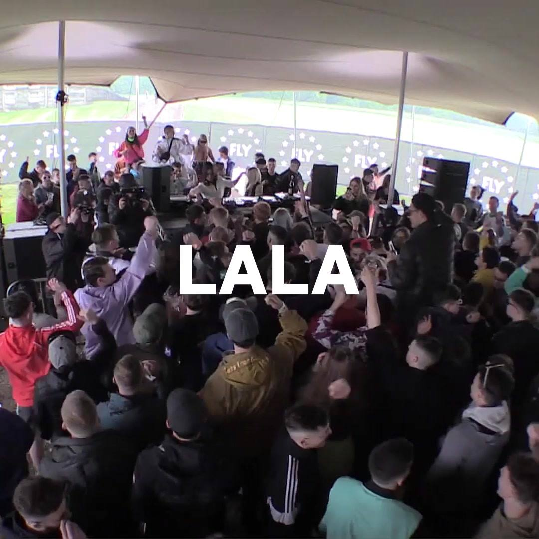 Resident La la's Boiler Room debut  :)...
