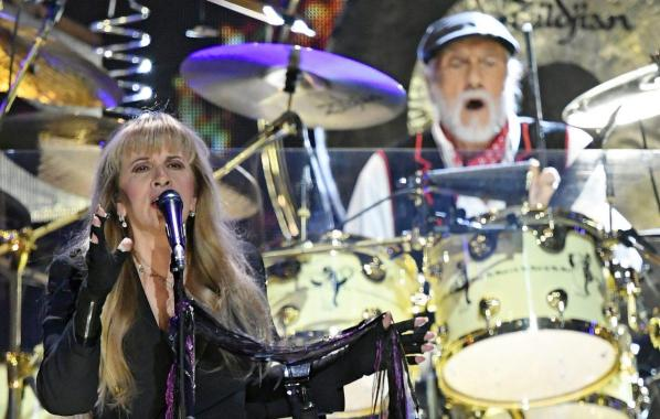 NME Festival blog: Fleetwood Mac tease Glastonbury 2020 appearance during Wembley Stadium show