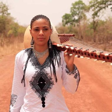 Greenbelt news : Traditionally played only by men, the Kora is a West African instrument synonymo…