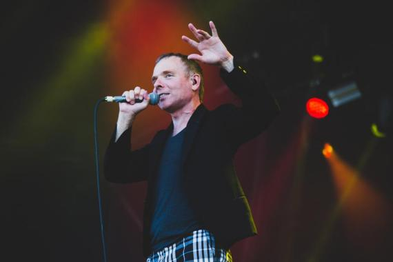 NME Festival blog: Watch Stuart Murdoch take to the water ahead of The Boaty Weekender