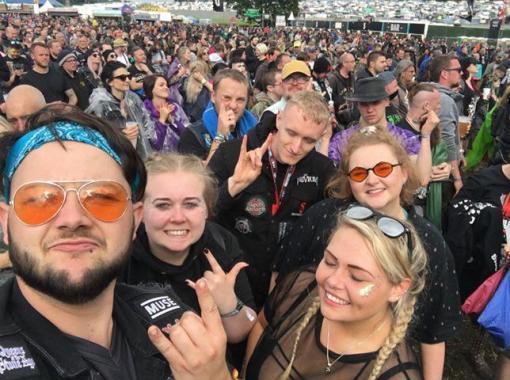 Setting the Download 2019  fake news straight: a little rain didn't stop Kane having fun…
