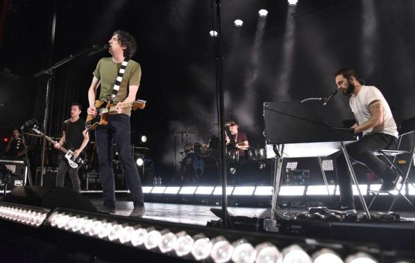 NME Festival blog: Snow Patrol cancel Glastonbury performance due to bandmember needing neck surgery