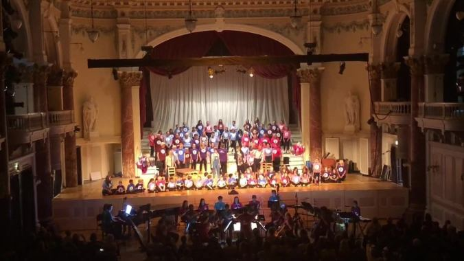 Cheltenham Festivals news : An inspiring afternoon watching the superb community opera #AcrossTheSky at Che…