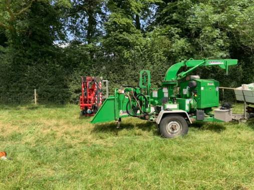Cropredy news : Richard from Acorn Tree Work has got some new toys! Making the site safe for you…