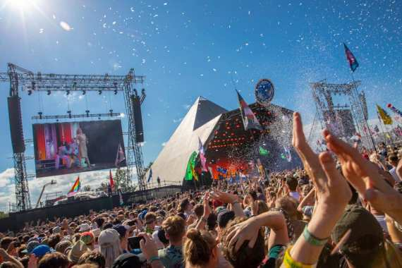 Glastonbury Festival news: Check out our gallery of pictures from a truly super Sunday at #Glastonbury2019 …