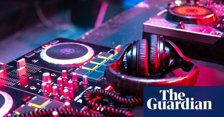 The Guardian festival blog: The thud, thud, thud of techno music leaves no space for bad thoughts | Life and style