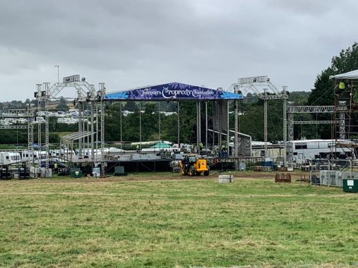 Cropredy news : We spent all day yesterday trying to keep the bl**dy thing up in a hurricane – a…