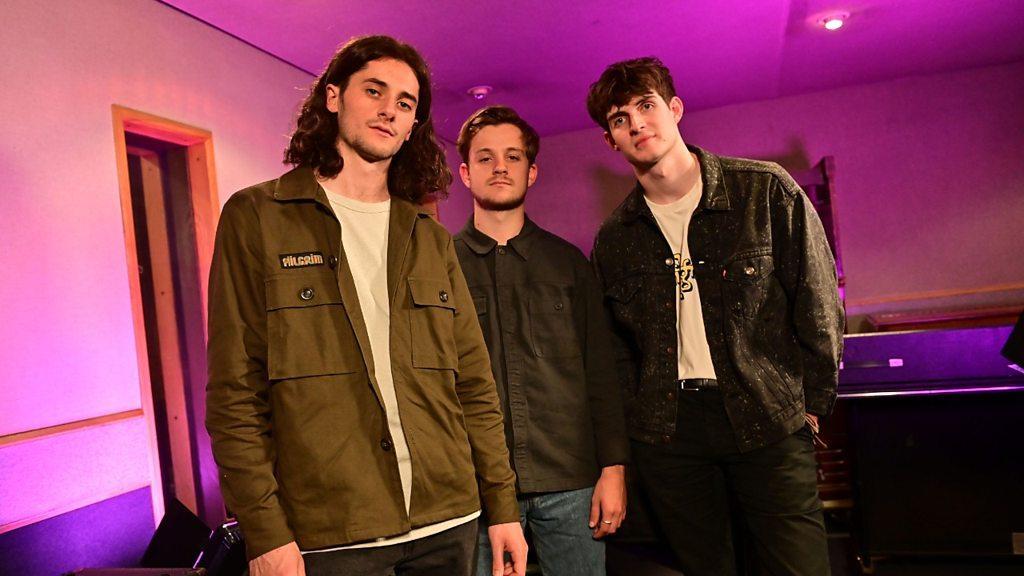 Radio 1's Future Sounds with Annie Mac - Cassia live gig - BBC Sounds