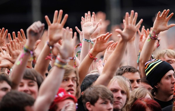 NME Festival blog: Teenager dies of suspected drug overdose at Leeds Festival