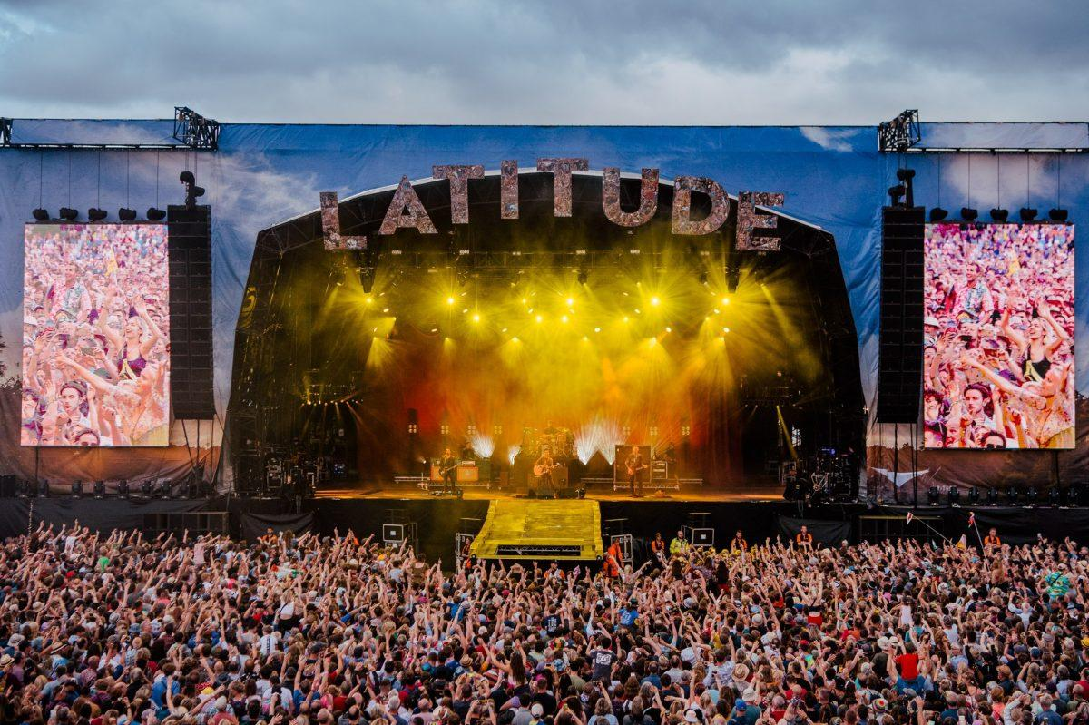 Weekend listening = sorted!  Your incredible Saturday headliners Stereophonics' ...